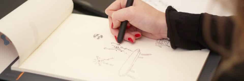 Un bloc-note (papier) qui retranscrit vos notes et dessins virtuellement