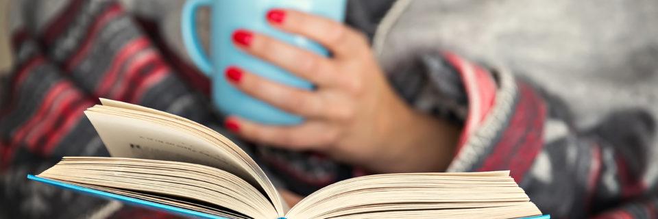"""""""Un livre est comme un jardin que l'on porte dans sa poche.""""  #1"""